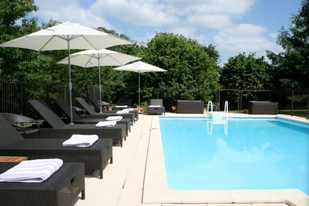 La Chataigne: Gite With Heated Pool And Garden