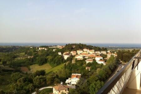 Accogliente attico con incredibile vista mare - Sant'Elpidio a Mare