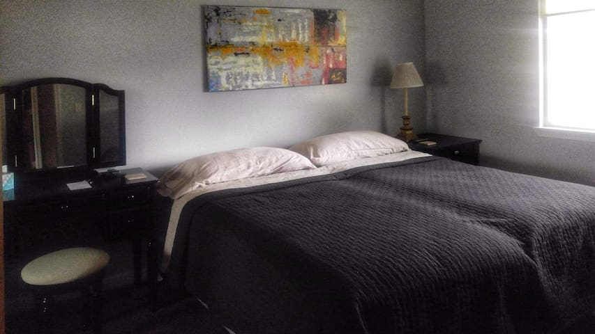 Home Away from Home, private room 3