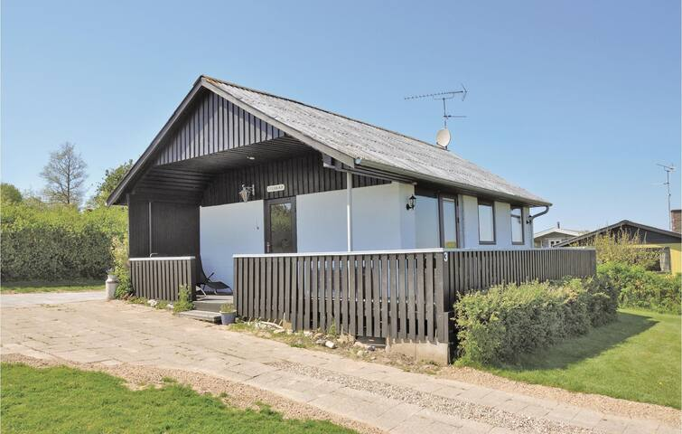 Holiday cottage with 1 bedroom on 56m² in Augustenborg