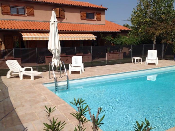 Havre de paix avec piscine dans l'ouest Toulousain