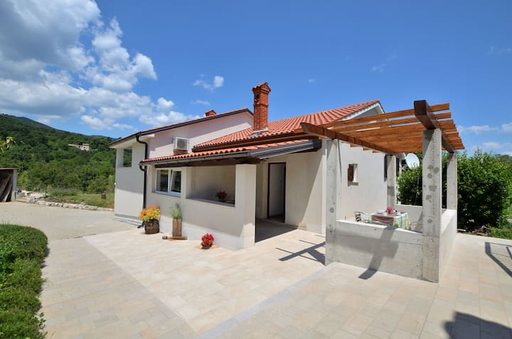 Five bedroom House, in Sv.Jelena