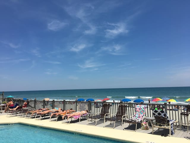 Oceanfront Condo close to Myrtle Beach