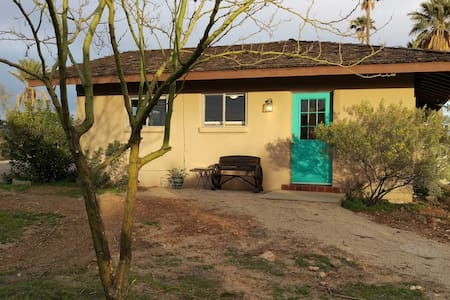 Briar patch Guesthouse, private and right in town - Wickenburg - Dům pro hosty