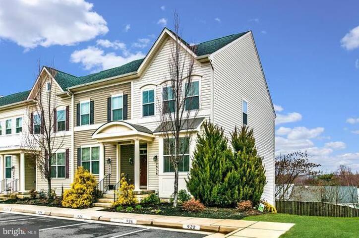 Woodbridge Home Executive Rental