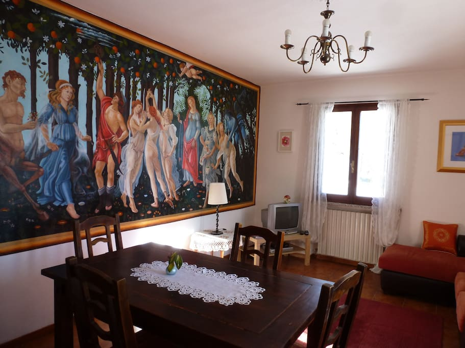 Mural of 'Primiavera' by Botticelli, 1st floor apartment.