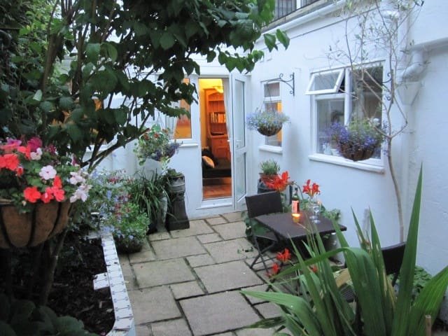 Temple Cottage - Brighton - Casa