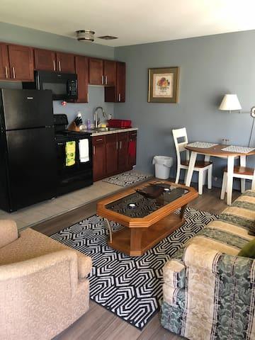 Cozy, Private 1-Bed in Royal Oak 4010