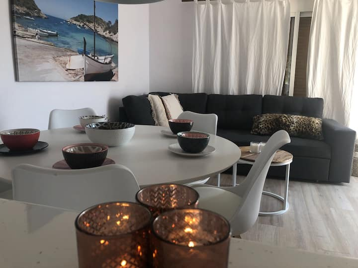 Two bedroom apartment in siësta st eulalia Ibiza