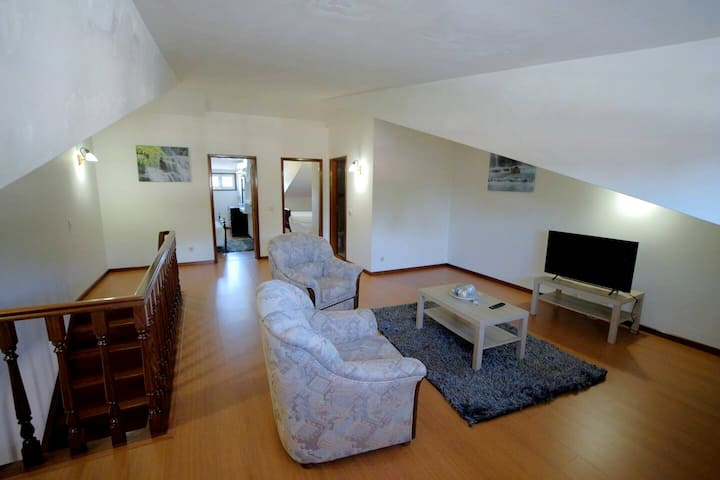 House with 4 bedrooms in Aveiro, with wonderful city view, balcony and WiFi