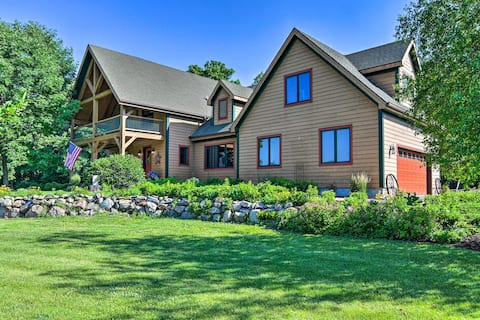 NEW! Luxe Countryside Lodge Steps to Raccoon River