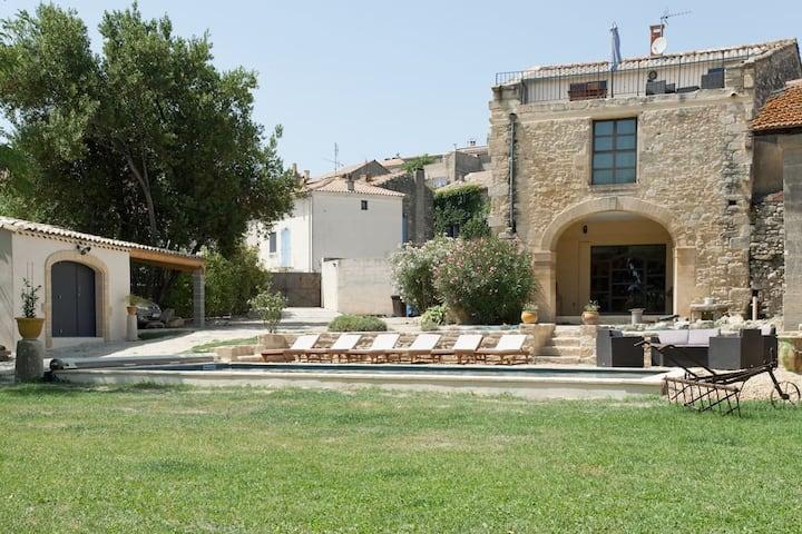 2chambres d'hôtes dans Mas de Village avec piscine