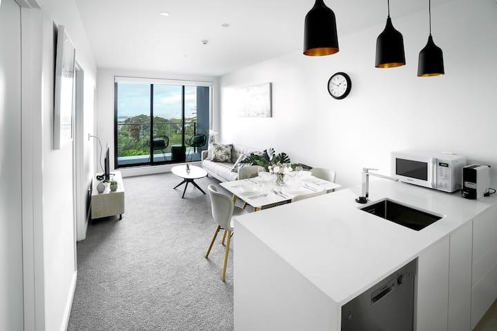 Birkenhead waterfront apartment