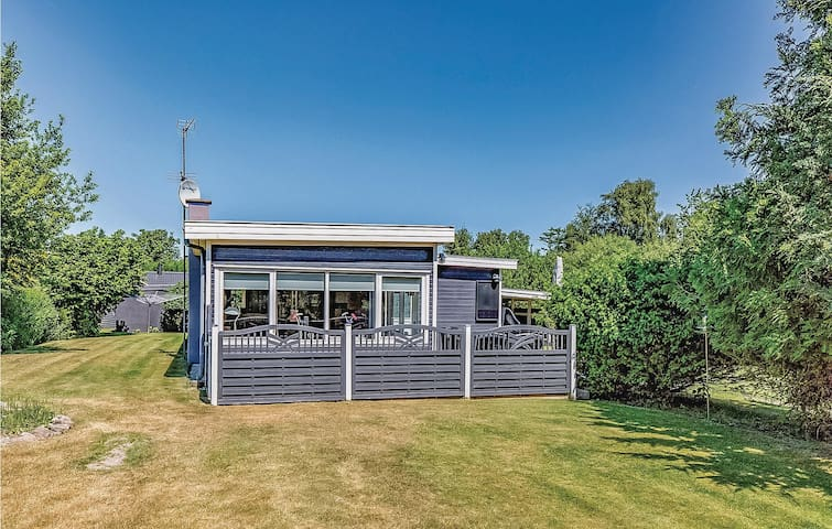 Holiday cottage with 4 bedrooms on 95m² in Højby