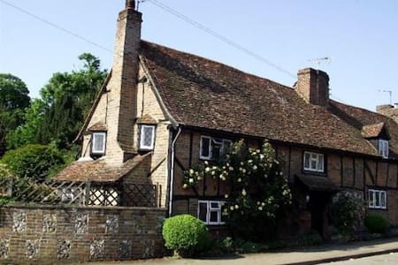 Charming Character Cottage in Flamstead - Flamstead