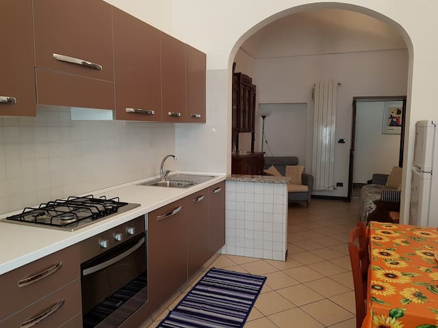 Cosy apartment in Loano old town close to seaside.