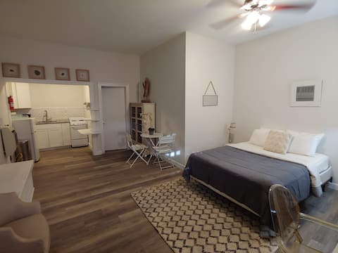 Newly Remodeled Studio UK/Downtown/Rupp/Hospitals