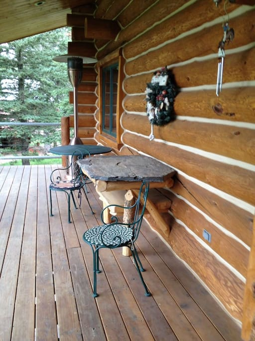 11047 Buffalo front porch