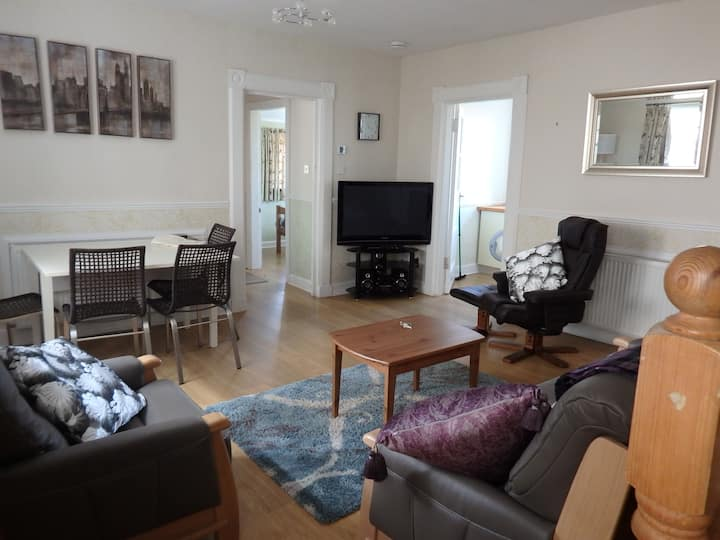 Northfield, Cottage Apartment