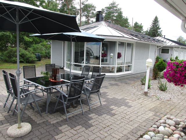 Villa Aurinko, 1-8 persons. *Location *Cool - Naantali - Apartment