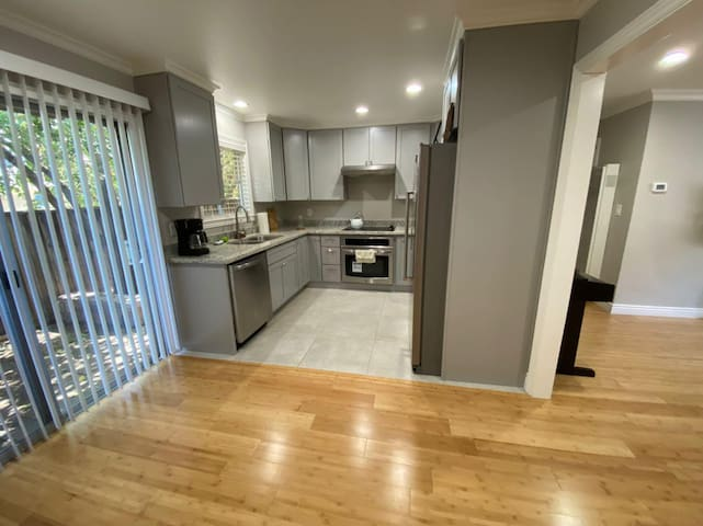 Wonderful New Townhouse in Mountain View