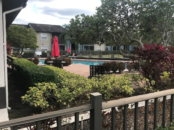 ( Great Deal) Entire Lakeview2 Bedroom apartment