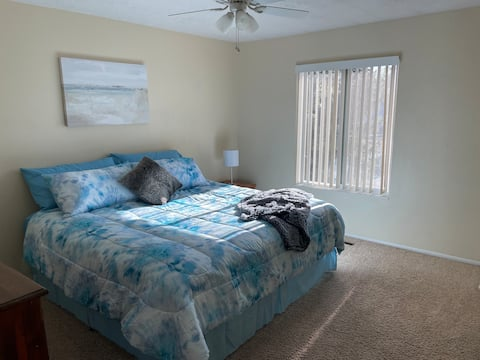 Logan 2 Bedroom Townhouse, Close to everything!