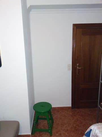 Habitacion acomodada para una estancia agradable