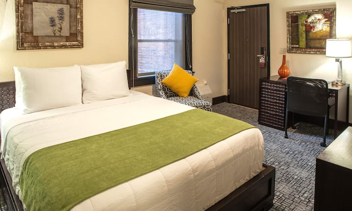 Queen Room with 1 Bed, Hotel Fusion