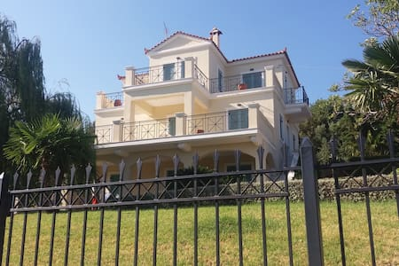 House open to the Aegean Sea in Evia Island - Enoria - Villa