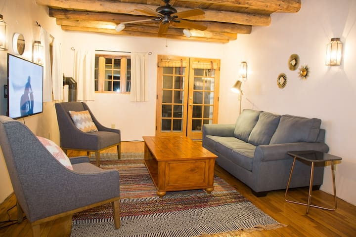 Quintessentially Santa Fe Adobe • 2bd Great Locale