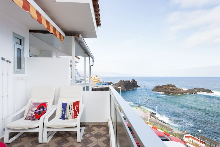 Apartment on the sea front. El Pris, Tacoronte