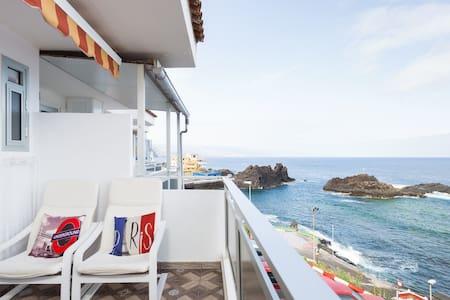 Apartment on the sea front. El Pris, Tacoronte