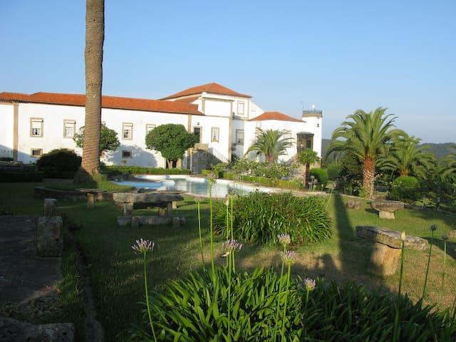 Quinta de Santa Leocádia - Pedra Furada - Cabana