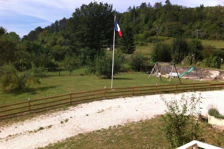 """Maison au sein de la"""" petite Suisse"""" bourguignonne - Veuvey-sur-Ouche"""