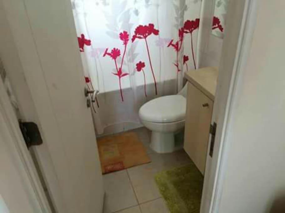 Baños totalmente equipados .