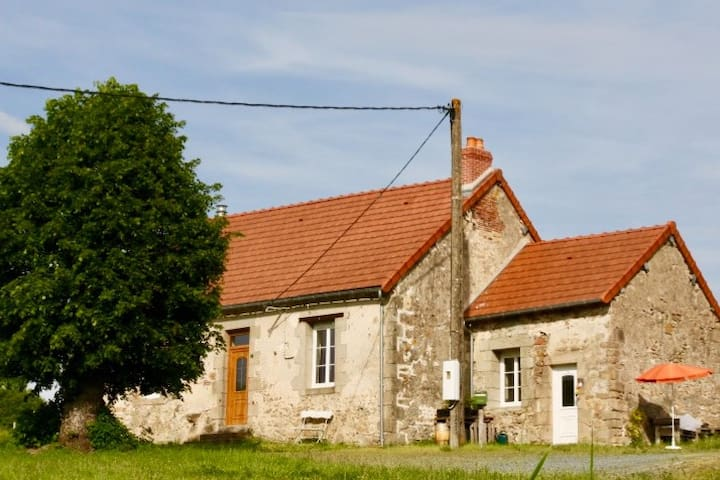 Cosy farmhouse in the silent hills of the Creuse
