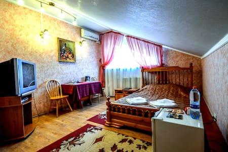 Эконом с двуспальной кроватью - Wikt i opierunek