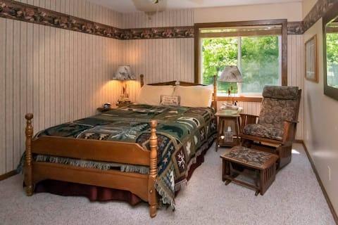 Up North Suite at Leech Lake Resort B&B