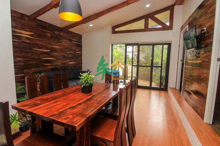 Highend 3br, bonfire, private garden, strawberries