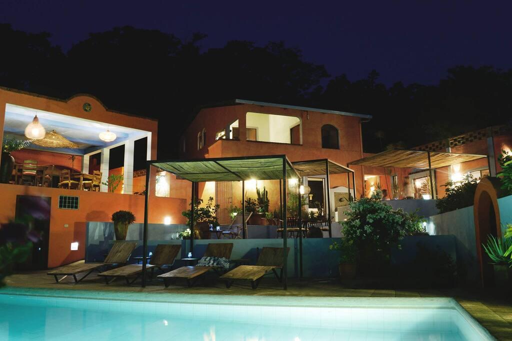 El jardin studio with kitchen boutique hotels for rent for Camping el jardin san juan