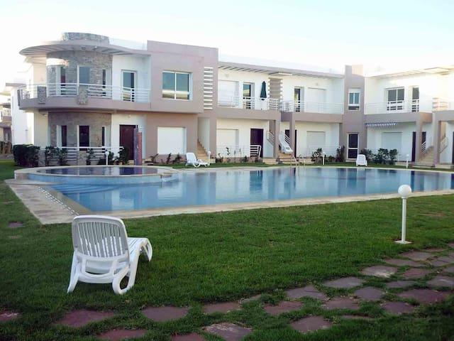 Un bel appartement dans une résidence balnéaire. - Sidi Rahal - Lakás