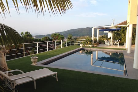 Incredible sea views! Luxury villa in Cabrils - Cabrils - Casa