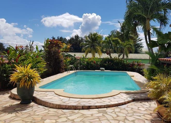 Charmant T2 avec piscine !