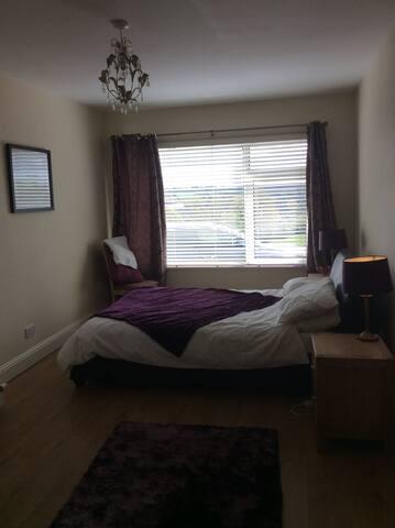 Double bedroom- Purple room