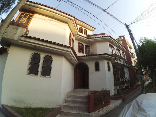 Linda Habitacion - La Molina (USIL, USMP, AGRARIA) - Distrito de Lima - House