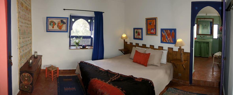 Doppel bedroom with big terrace.