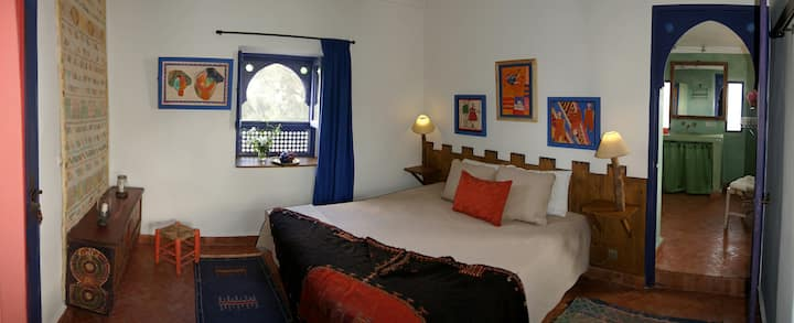 Doppel bedroom with big terrace.