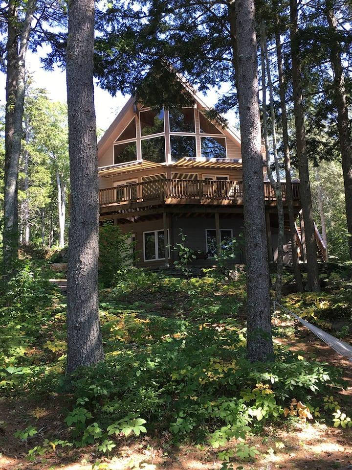 Midcoast lakefront luxury