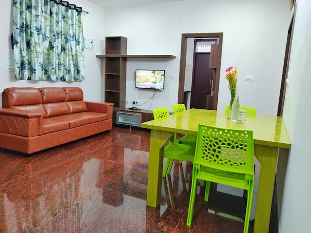Entire 2 Bedroom Flat with Kitchen